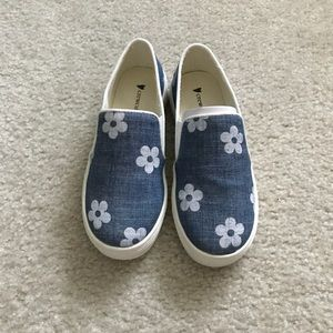 Little girl Chambray Daisy shoes